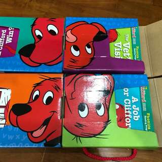 Scholastic Clifford The Big Red Dog Phonics Fun Reading Programme Packs 1-4