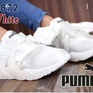 Sepatu puma putih