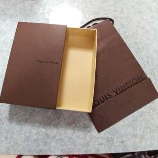 LV長銀包紙盒及紙袋