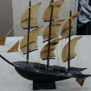 古舊牛角做 帆船