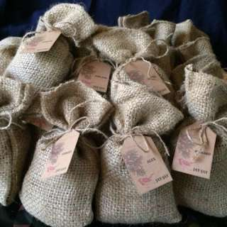 FLAVORED COFFEE in Burlap Bag (Souvenirs/Giveaways)