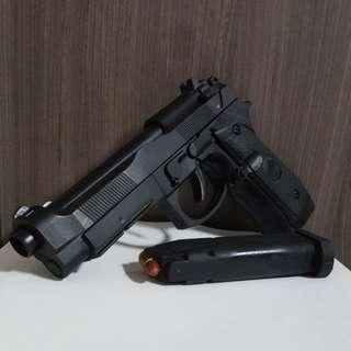 M92A1 toy gun modded (please read description)