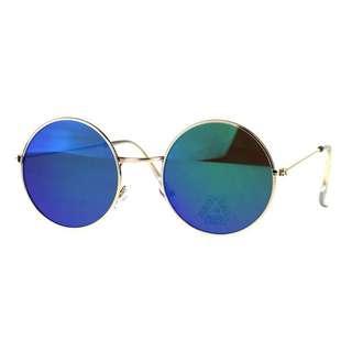Blue round mirror sunglasses