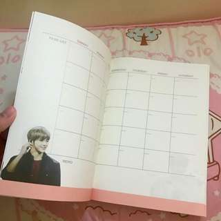KANG DANIEL WANNA ONE 姜丹尼爾 PEACH CRUSH SEASON GREETING SCHEDULE BOOK 日記