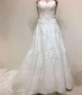 結婚Wedding gown2米大拖尾婚紗(購自something borrowed bridal)