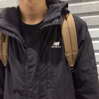 Jaket outdoor New Balance