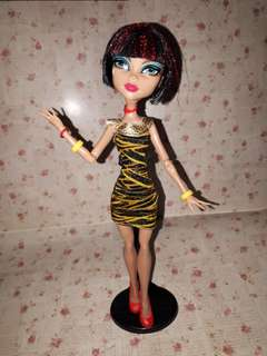 Monster High Cleo De Nile Student Disembody doll