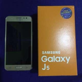 Samsung Galaxy J5 (8GB)