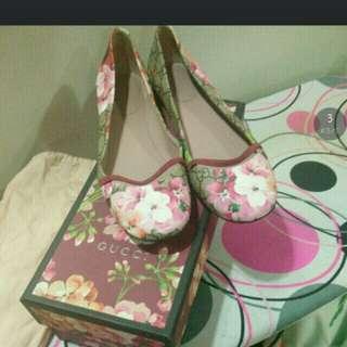 Gucci flat shoe