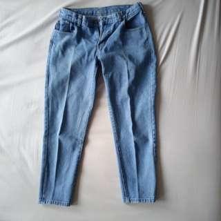 Boyfriend Jeans 7/8 Wanita