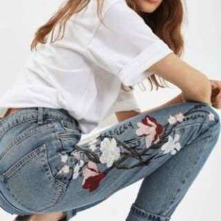LOOKING FOR TOPSHOP EMBROIDERED MOM JEANS