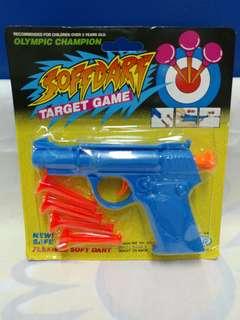 絕版全新射擊遊戲槍連吸盤一套 5 件