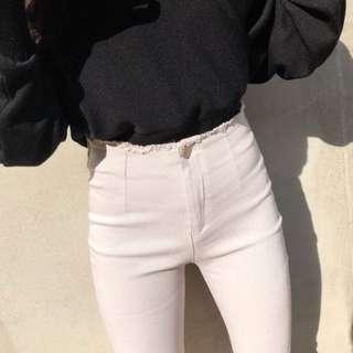 🚚 轉售sara 高腰微喇叭素褲 穿過一次