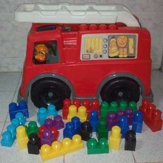 MegaBlok Fire Truck with 25 Blocks