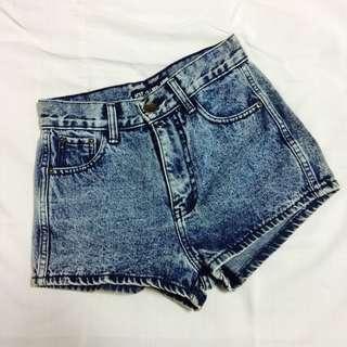 💙HW denim shorts