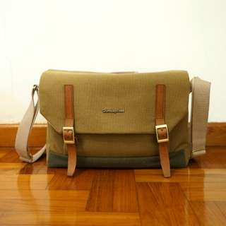 Herringbone Postman Camera bag *Medium*