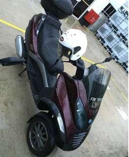 Piaggio MP3 250c Scooter - second hand