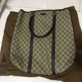 Gucci Shoulder bag.