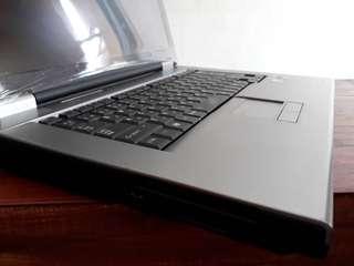 Ram 4GB Terbesar di kelasnya Laptop Toshiba Satelite L20 Core2Duo Hdd 160GB Termurah
