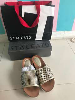 Sendal staccato second