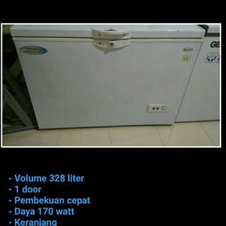 CHEST FREEZER DAIMITSU 300LITER