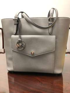 Micheal Kors medium size tote bag from US 全新