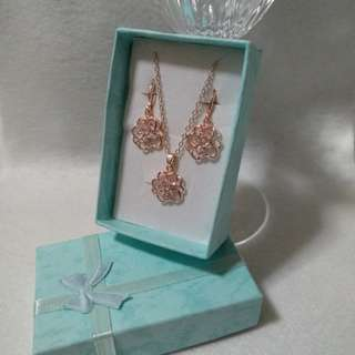 Earrings and Necklace jewellery set