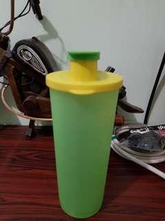 Tupperware bottle