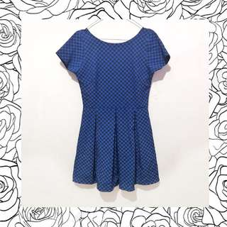 black blue chess dress wanita motif catur monokrom baru
