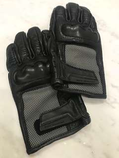 BMW Airflow Gloves