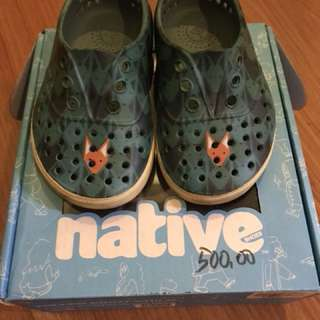 Native shoes - faded glory blue fox head size C6 UK 5 EUR 22