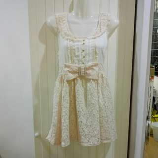 M072 - Lace and Embroidered Dress