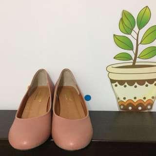 襯膚粉 高跟鞋👠