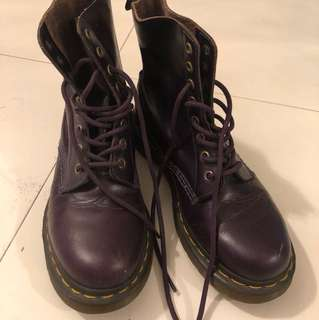Dr Martens 深紫色boots size 38
