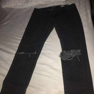 rip jeans Pull and Bear faded black (hitam pudar) size 30