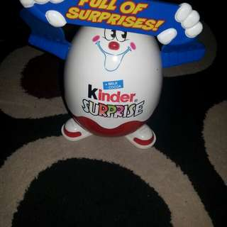 Kinder full of suprises figure