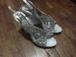 Comfit Silver Heels