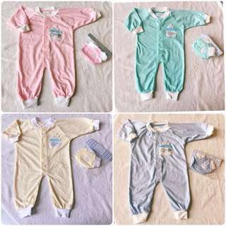3pcs newborn baby clothing set Sleepsuits set mittens booties