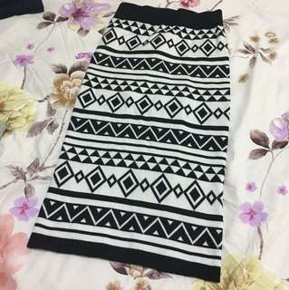 Tribal print bodycon midi skirt