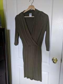 Low V, green Vero Moda dress