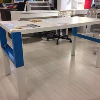 Ikea PAHL Desk 藍白色書枱 幾乎全新