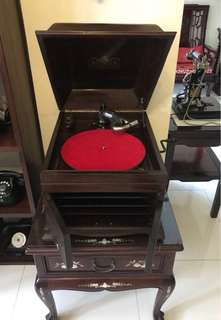 Victrola 78rpm Table Phonograph
