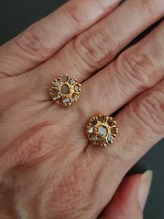 18k Intan Earrings - Peranakan