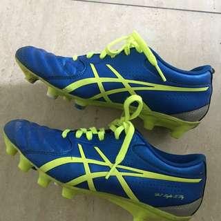 Asics soccer boots 23cm