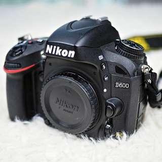 NIKON D600 - Full Box Set