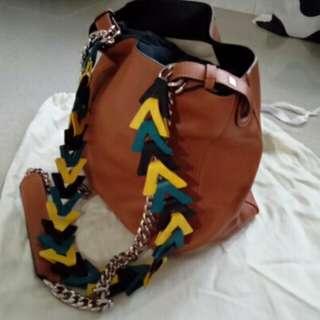 Loewe V Bucket handbag
