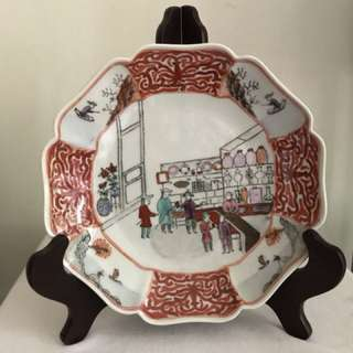 "An extremely rare exported ""Chinese antique trading"" Famille-verte plate"