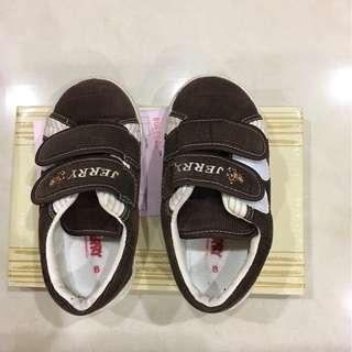 Kikilala shoe size 8