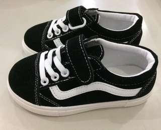 Sepatu anak size 21-30