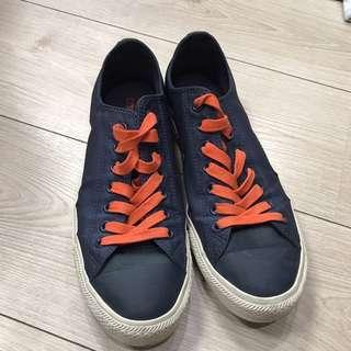 🚚 8.5成新男 Converse鞋 尺寸為 9.5 😊